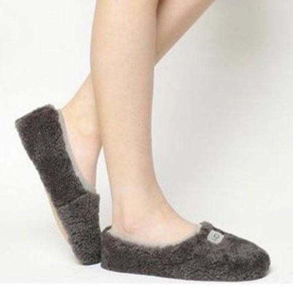 1fe477148d1 UGG Gray Birch Fuzzy Slippers Size 6 $80 NWT